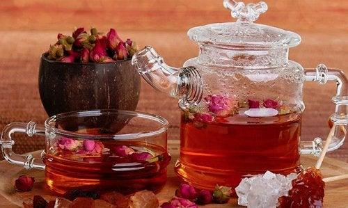 El té de rosas es depurativo y antioxidante.