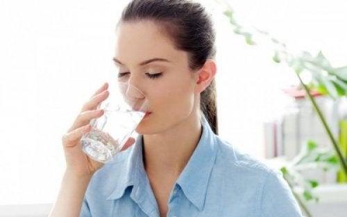 Razones por las que tienes mucha sed
