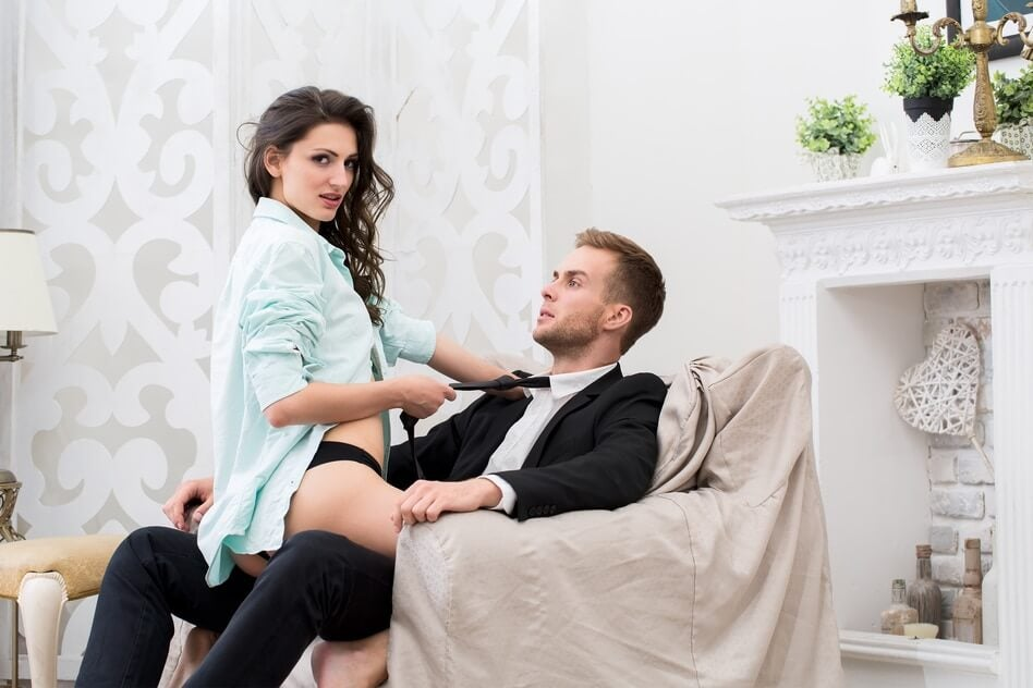 Sexo en la silla.