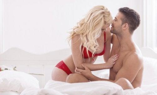 8 posturas sexuales que te ayudan a adelgazar