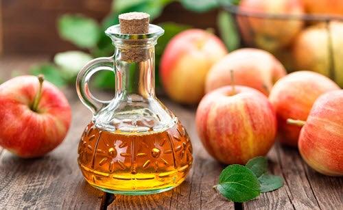 Vinagre de manzana, que puede ser efectivo para los hongos en las uñas