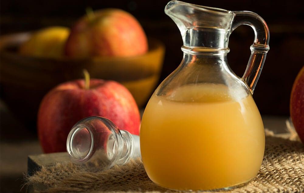 Remedios naturales para combatir la caspa seca: vinagre de manzana
