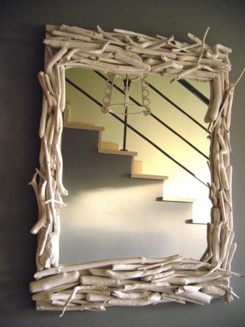 Los espejos con buenos elementos para la decoración rústica.