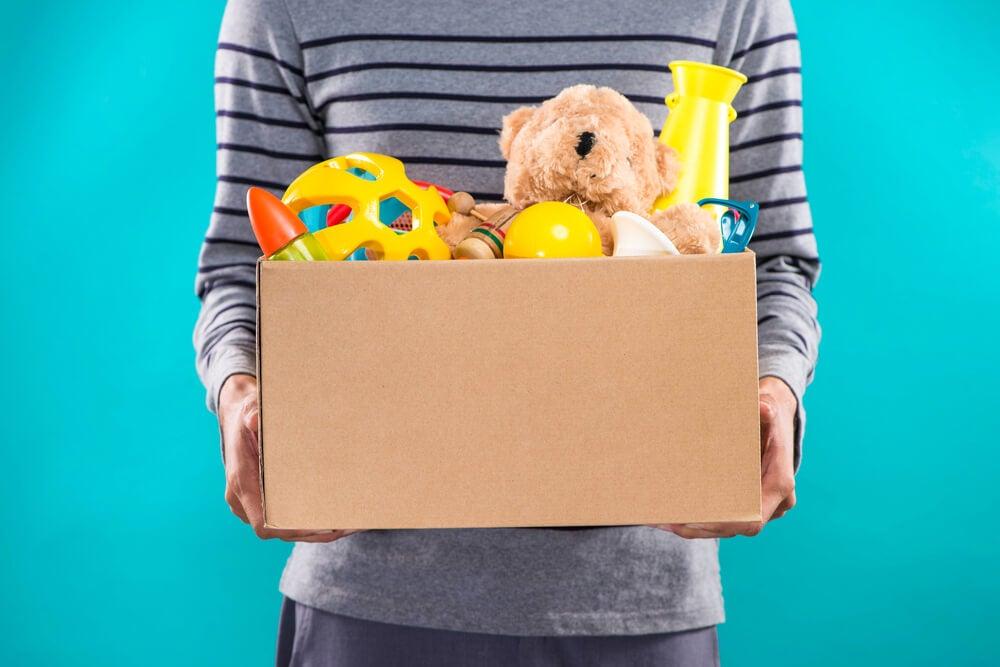 Cómo decorar la caja de juguetes
