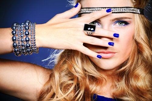 Crea tiaras y accesorios para tu cabello
