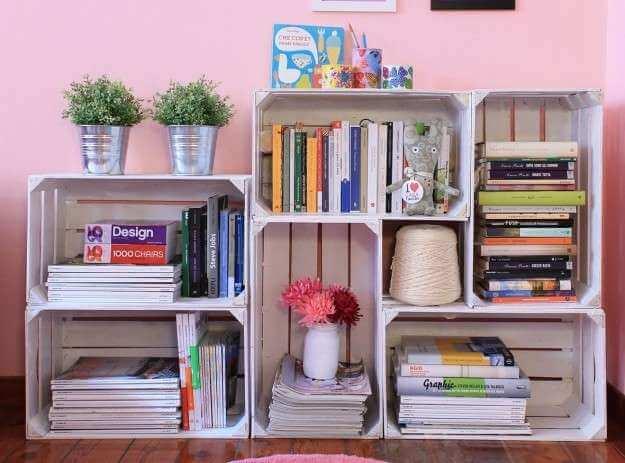 Haz tu propia repisa de libros en casa.