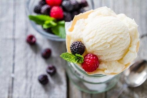 Al helado de vainilla se le atribuyen propiedades excitantes que aumentan el libido.