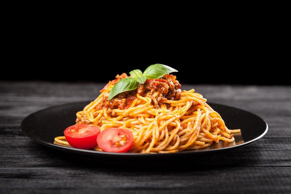 Ingredientes para preparar la pasta bolognesa