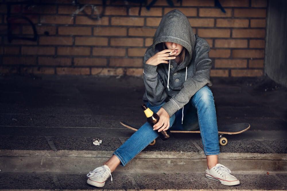abuso di sostanze negli adolescenti.