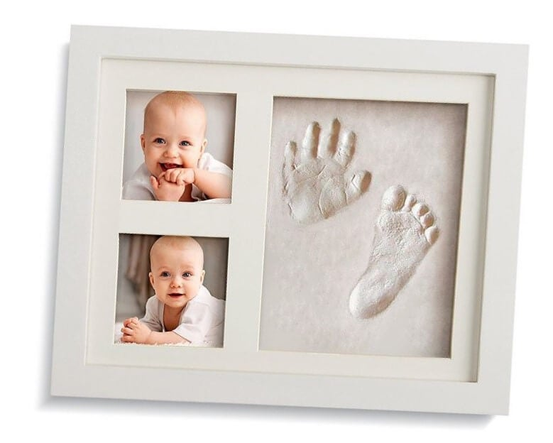 Marcos con huella de bebés.