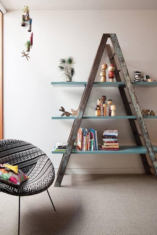 Reciclar-para-decorar-viejas-escaleras-de-madera-recuperadas-3