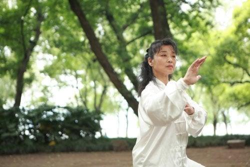 Reducir el dolor con las artes marciales.