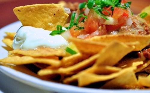 Trucos para que la salsa de queso para tus nachos quede perfecta.