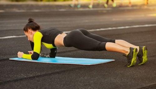 Flexões : exercício eficaze para eliminar a gordura acumulada no corpo
