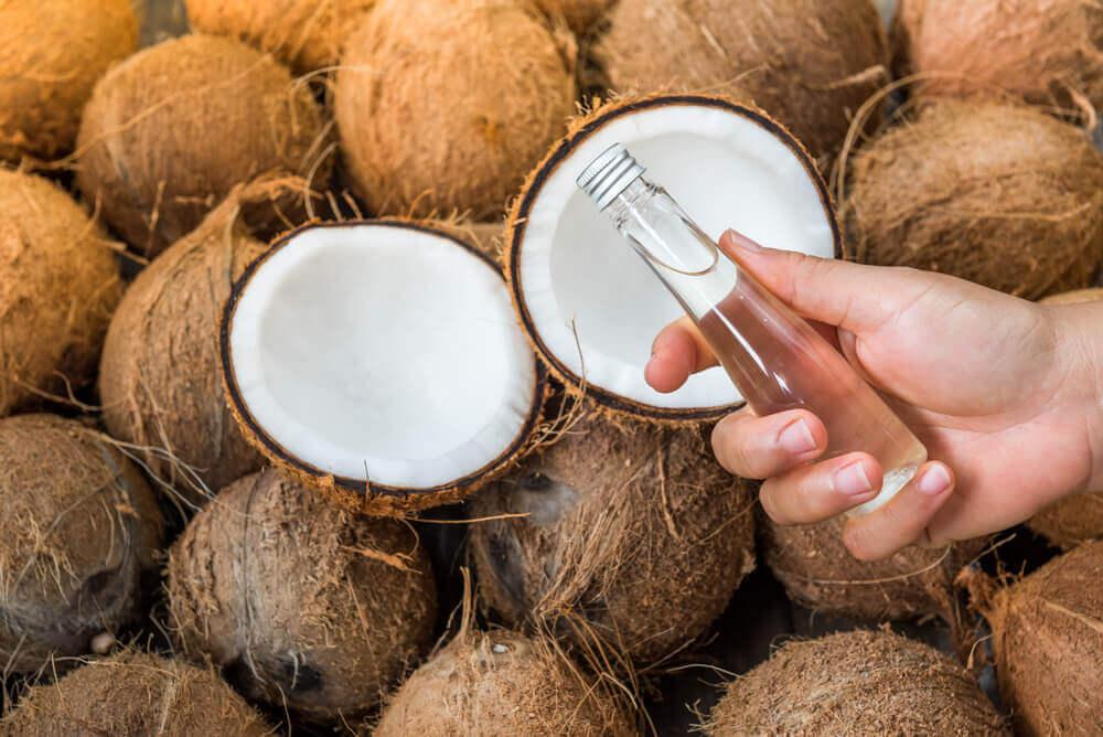 Aceite de coco para los hongos de la piel