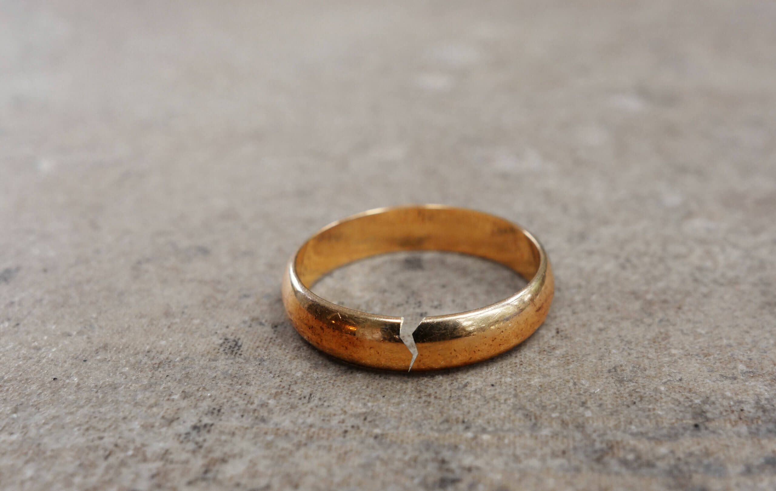 Enamorarse de un hombre casado es complicado.
