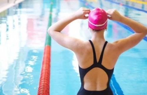 Descubre los beneficios de nadar