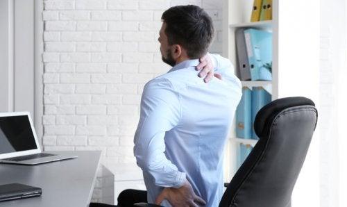 Conoce las buenas posturas para el trabajo