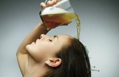 Recetas con cerveza para el cabello