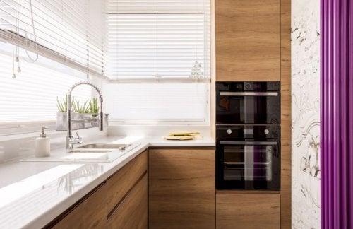 Cocinas pequeñas, 6 ideas geniales para decorarlas.