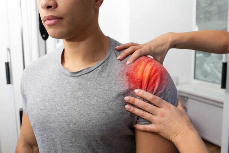 Luxación de hombro: causas y primeros auxilios