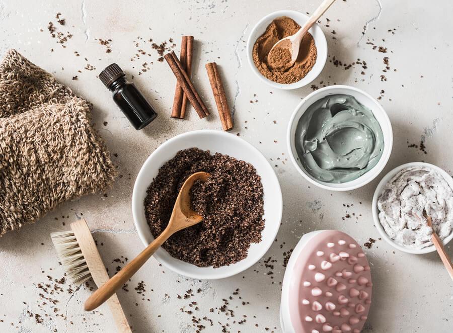 Elementos para realizar exfoliaciones y peelings caseros.