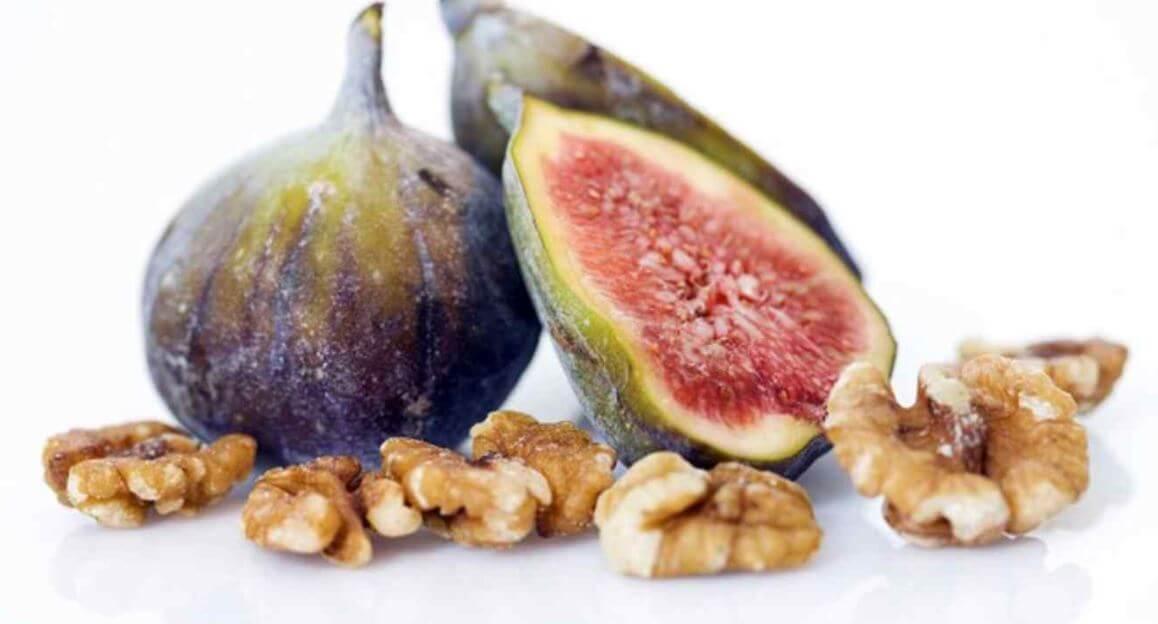 Ingredientes para receta higos y nueces.