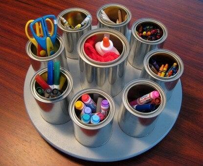 3 formas de hacer un organizador con latas recicladas