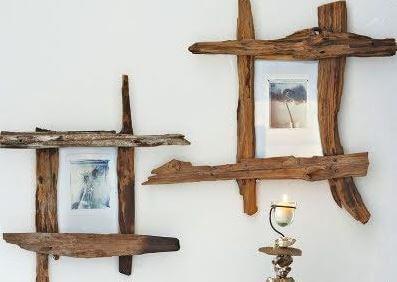 Marcos de fotos de madera.