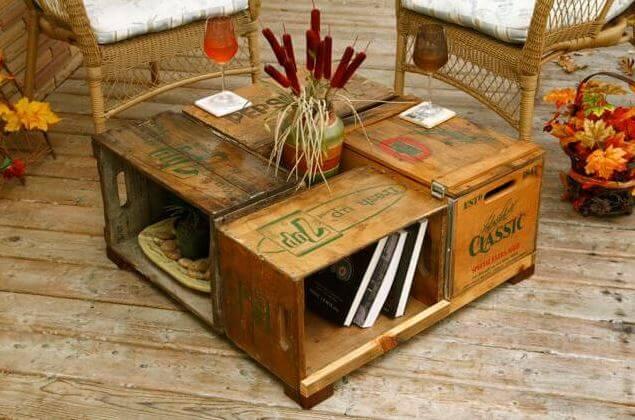 Mesa original hecha con cajas.
