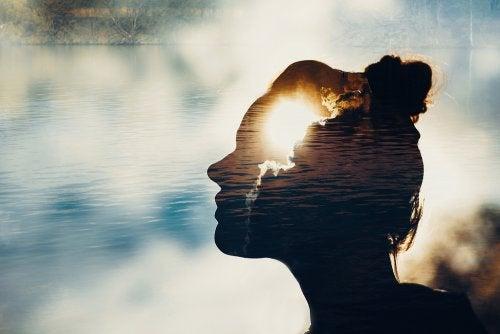 Mindfulness para una chica que necesita controlar la ansiedad