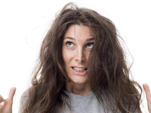 7 tratamientos caseros para combatir el cabello esponjado