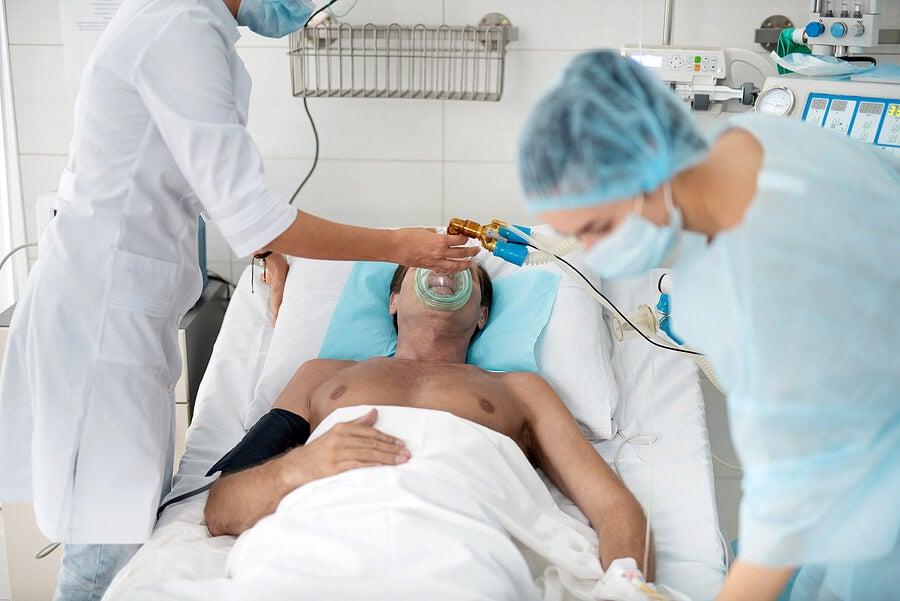 Paciente en la unidad de cuidados intensivos.