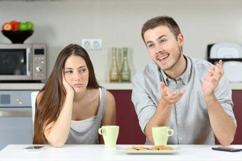 5 síntomas de que estás saliendo con un egocéntrico