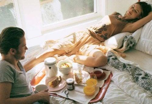Sorprende a tu pareja con este delicioso desayuno
