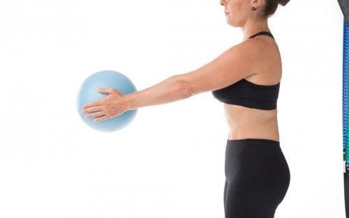 Ejercicios con pelota para un abdomen perfecto