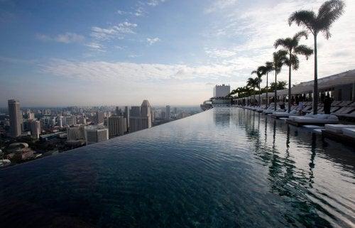 Increíbles piscinas con formas de objetos