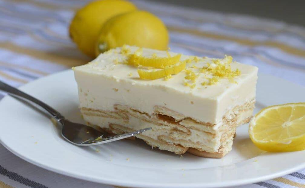 Receta casera del postre carlota de limón.