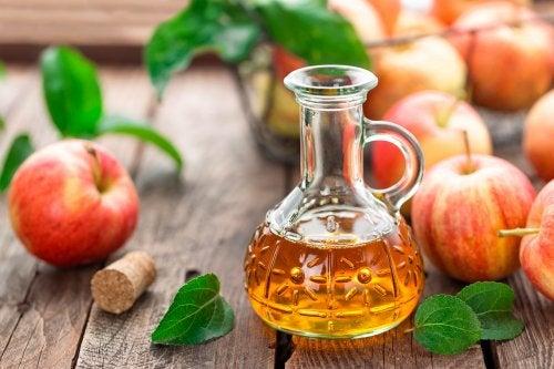 Vinagre de manzana para desengrasar tus muebles