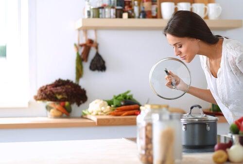 4 trucos para deshacerte del mal olor de la tubería de la cocina