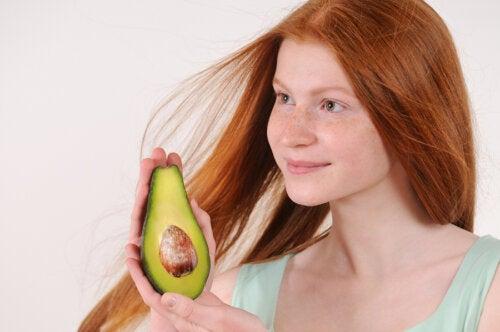 Hidrata tu cabello seco con estos 5 remedios naturales