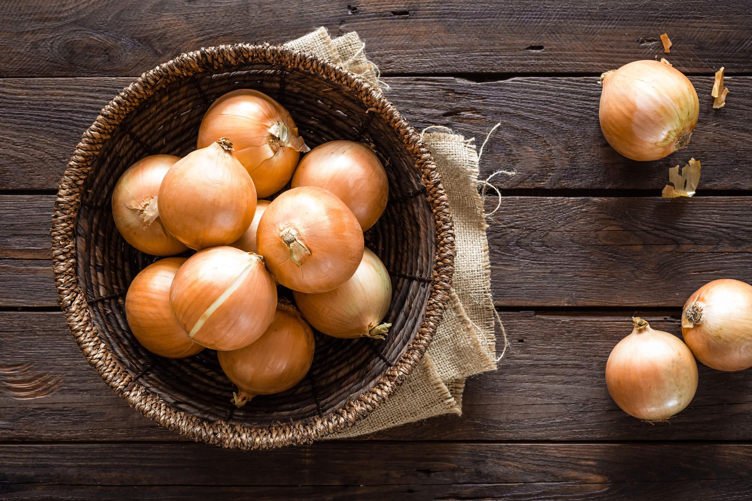 ¿Cómo usar la cebolla para la otitis?