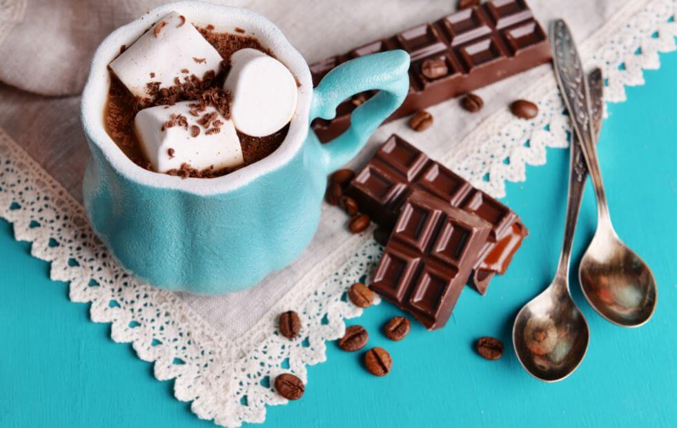 Chocolate con malvaviscos.