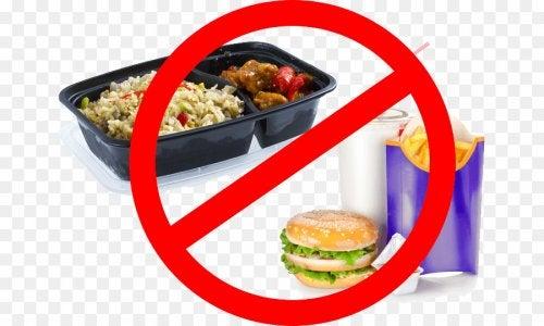 disminucion de ingesta de comida procesada y azucarada