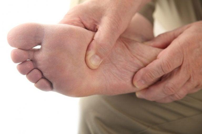 ¿Cómo cuidar el pie diabético en casa?