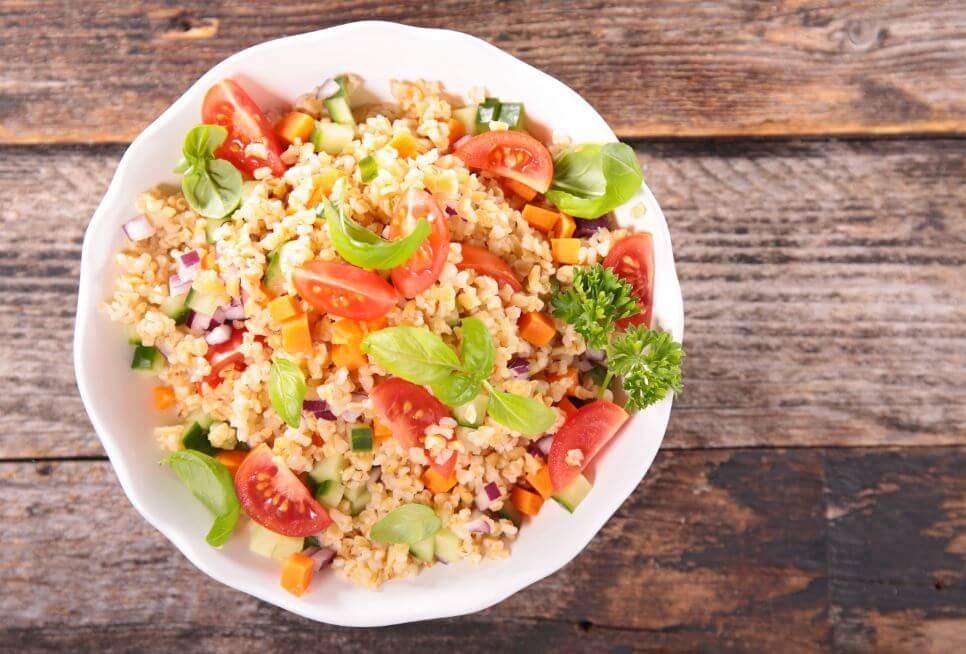 Ensalada de quinoa con verduras.