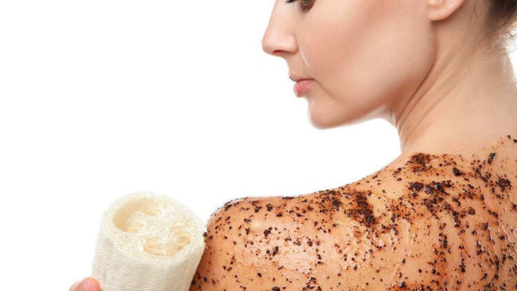Exfoliar la piel del cuerpo