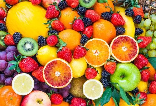 Fruta-para-bajar-de-peso-excepto-platanos-y-aguacates.