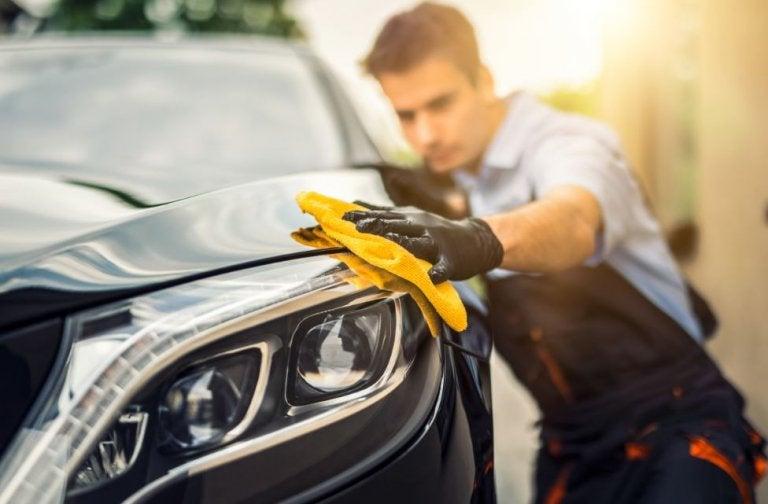 Una idea fácil y práctica para tener tu automóvil siempre limpio