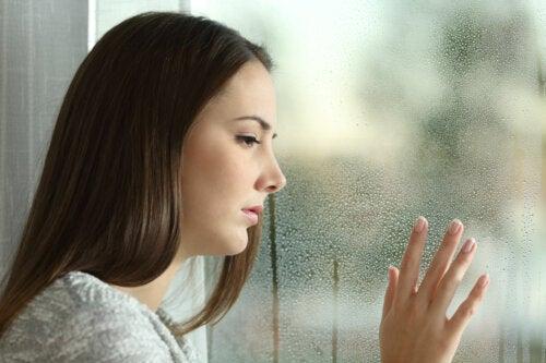 Victimismo crónico: ¿Por qué algunas personas se pasan todo el día quejándose?